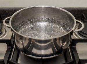 Bollire acqua uccide batteri