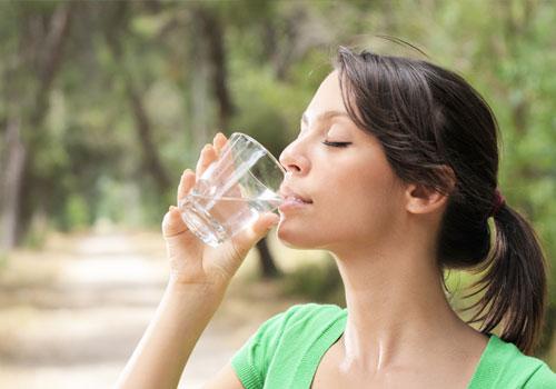 bere acqua trattata con osmosi inversa